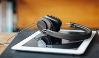 Bowers & Wilkins P3 S2 headphones - 1 only left in stock