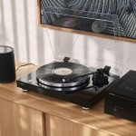 Yamaha TTS303B phono/line selectable turntable (available October 2018)